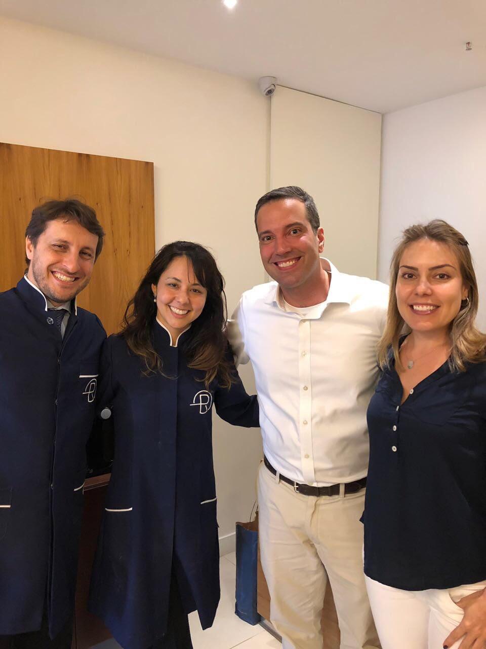 avaliação ortodôntica e escaneamento dentário para o sistema de aparelho transparente Invisalign com a Dra Flavia Mitiko e Dr Eduardo Rothier Barra da Tijuca Ipanema