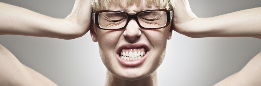 Ranger dos dentes (noturno) apertamento dos dentes (diurno). Tratamento na Barra da Tijuca Clinica Rothier