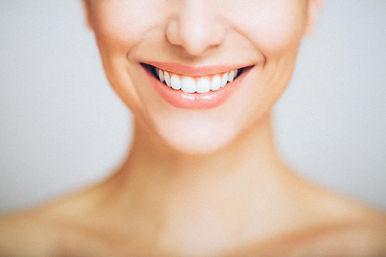 Serviço_clareamento_dental_barra_da_tiju