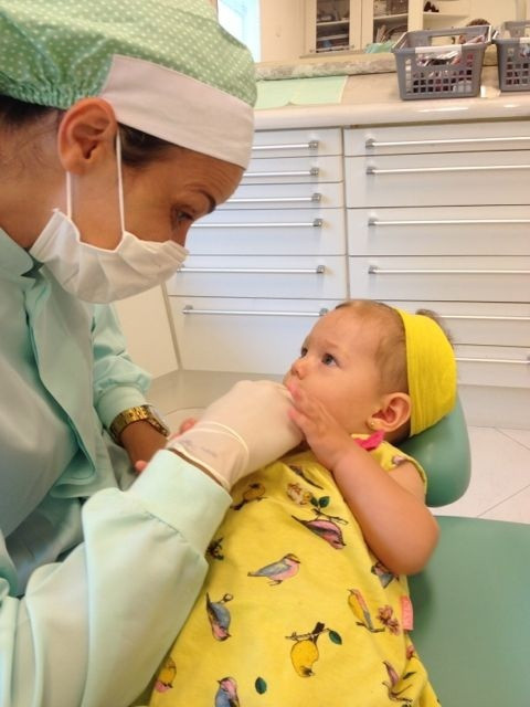 Qual a idade ideal para levar a criança na 1º consulta com o Dentista?