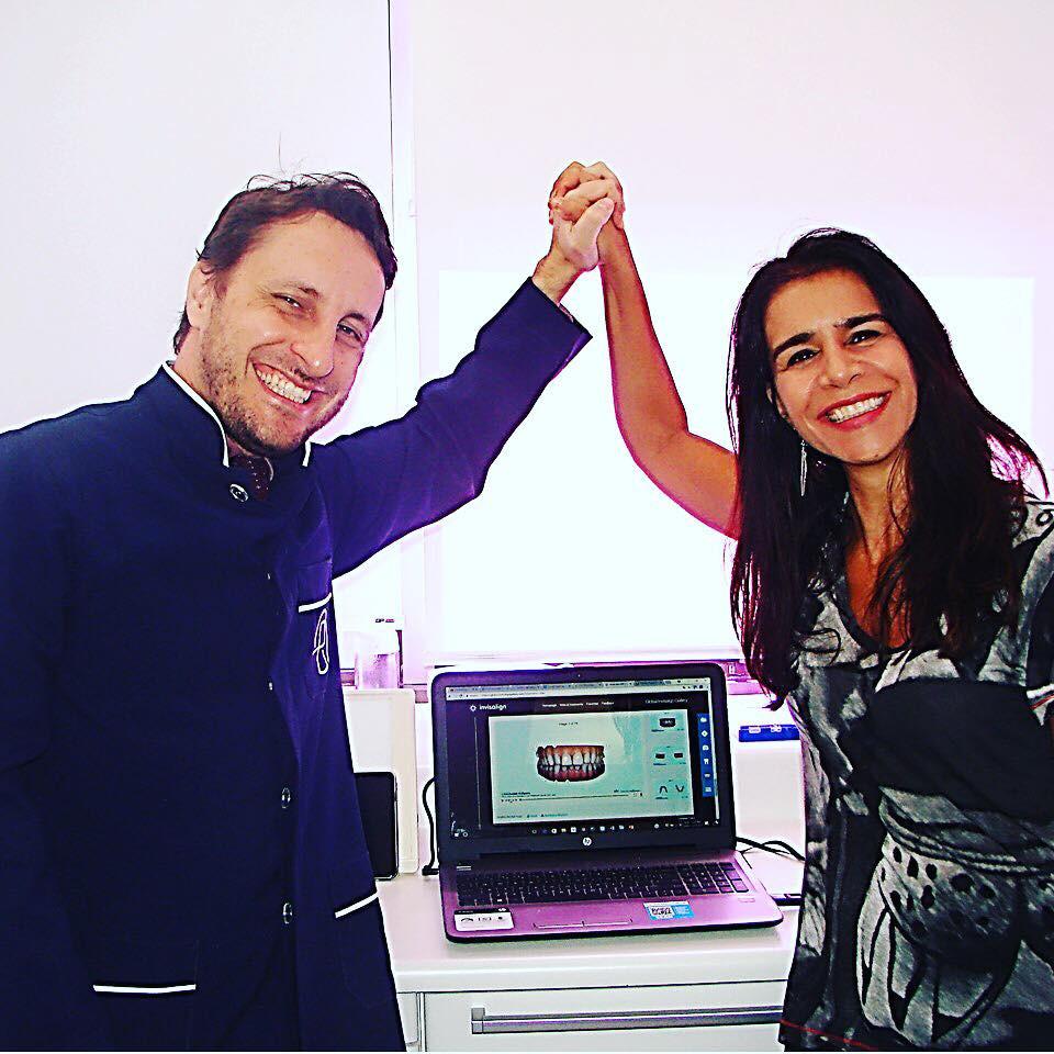 Dr Eduardo Rothier e a paciente Vera Alice Rebelo , tratamento com aparelho transparente removível sistema Invisalign