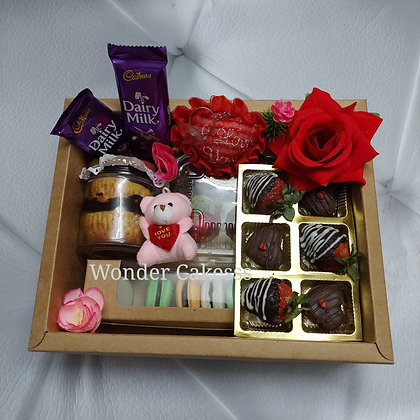 Valentine Special Hamper