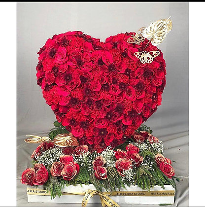 Valentines Special With Red Roses