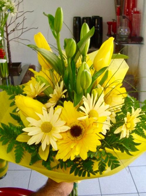 Bouquet con tulipanes