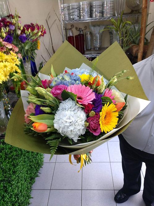 Bouquet en papel kraft