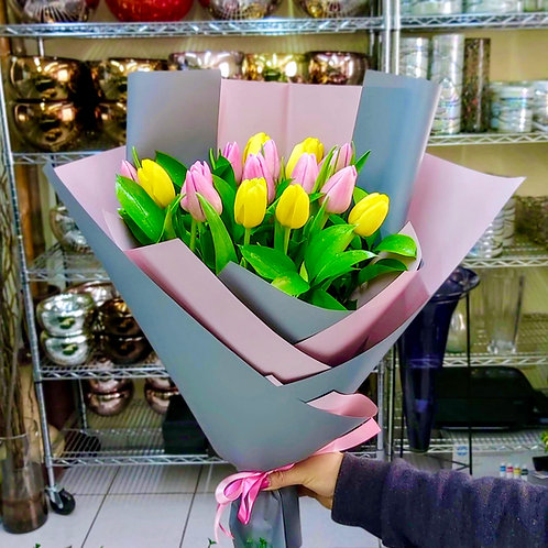 16 Tulipanes