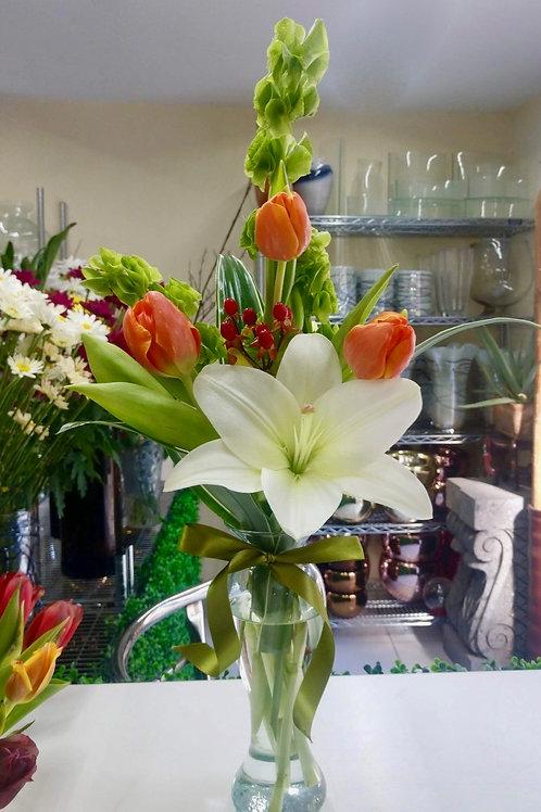 Tulipanes y lili