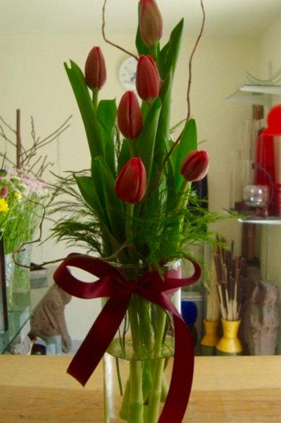 Tulipanes en cilindro