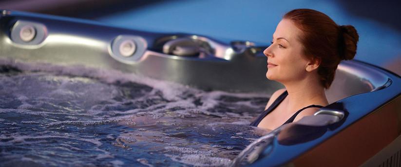 Frau im Whirlpool