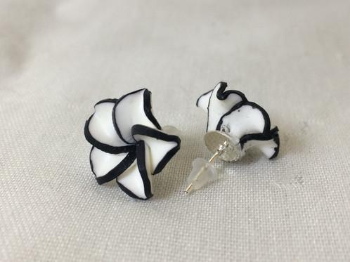 Black and white flower earrings mightylinksfo