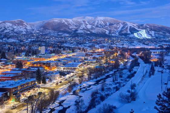 steamboat-downtown-ski-areas-dusk-1024x6