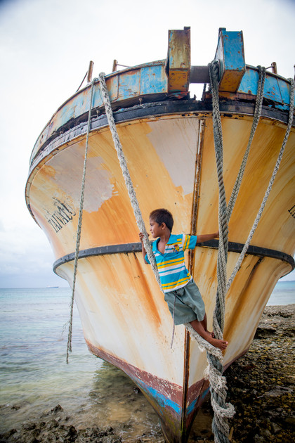 006_0Q8A9867__The_ship_called__Tuvalu__that_was_run_aground_during_a_storm_and_now_serves_as_the_local_jungle_gym._©Sarah_Fretwell.jpg