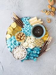 Hot cocoa board Chanukah.jpg