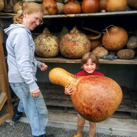 Hold a Gourd