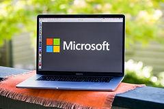 microsoft-logo-laptop.jpg