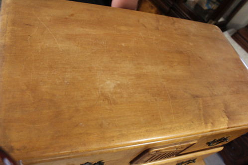 Beautiful And Unique Vintage Virginia House Maple Bedroom Set. There Is  Some Minor Damage To The Bottom Of A Foot On The Bed HB/FB And Overall Wear  (a Small ...