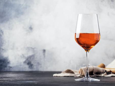 最近よく聞くオレンジワインって何?