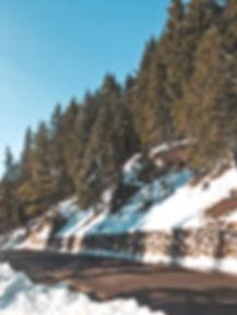 Estrada para Lago di Carezza, Dolomitas, Itália   @mundoporelas