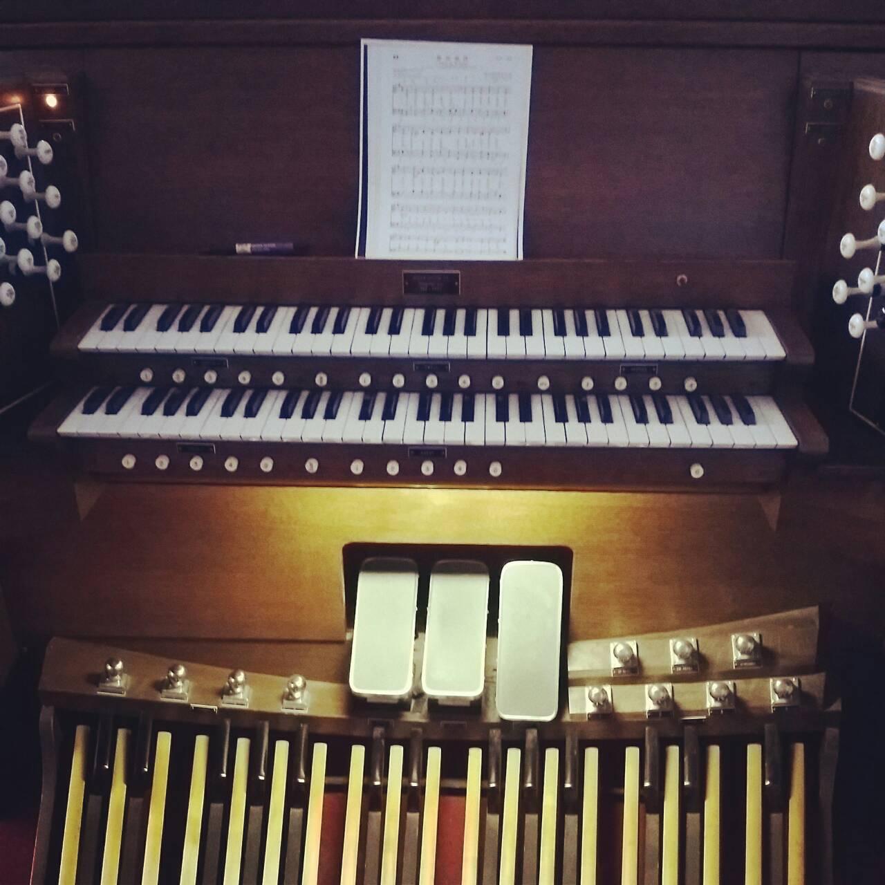 管風琴練琴時間...