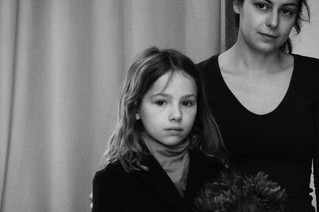 Geneviève Mahé (Mahaut) et Mélanie Vindimian (Élise) en répétition de CENDRES en 2010