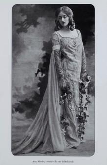 Mary Garden Perier dans le rôle de Mélisande en 1902
