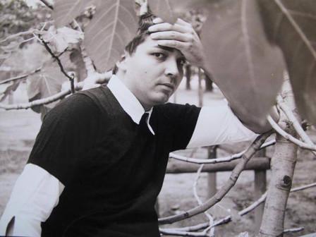 Olivier Dhénin aux Tuilleries, l'année où il écrit les premières scènes d'ELLÉNORE en 2003