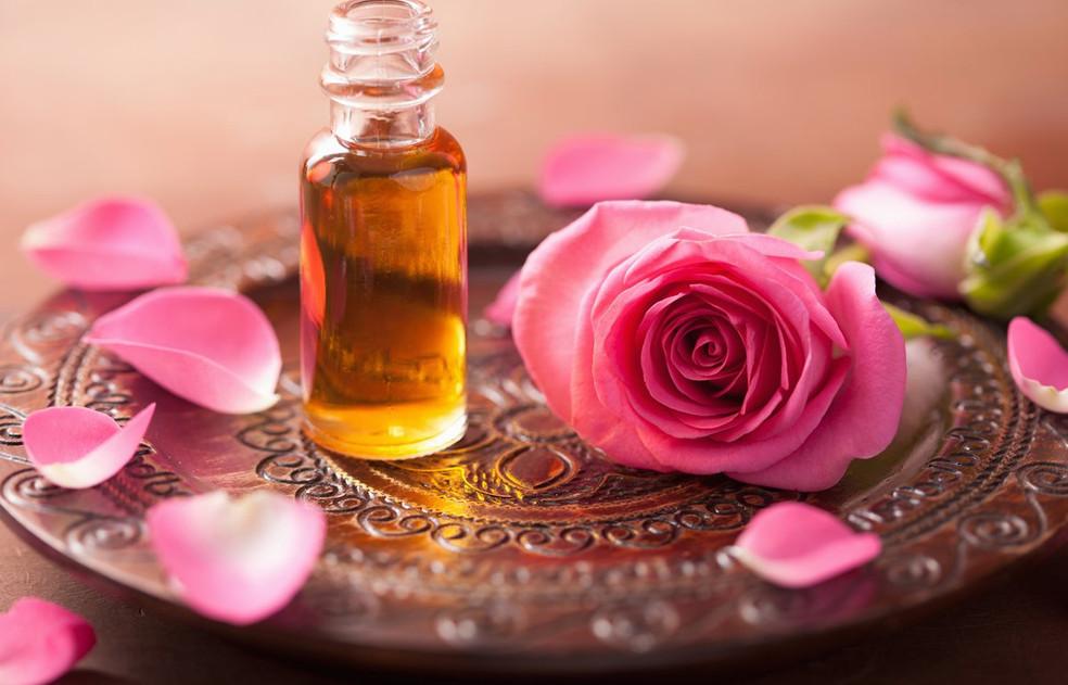 roseessentialoil-1.jpg