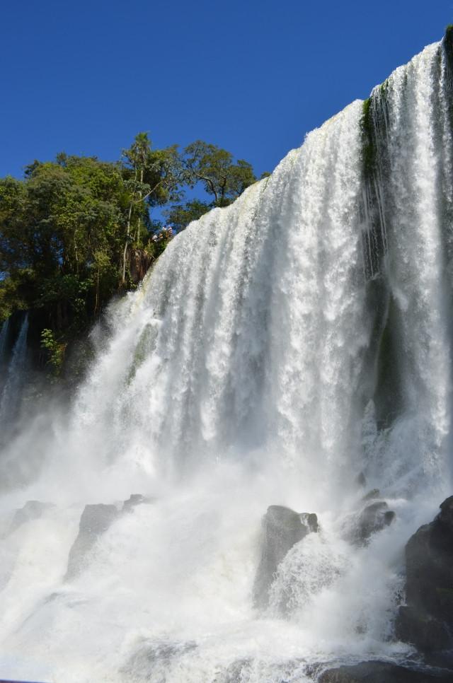 イグアスの滝の悪魔ののどぶえと呼ばれる場所