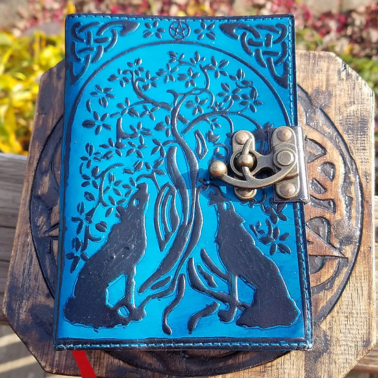 Double Wolf 5x7 Journal