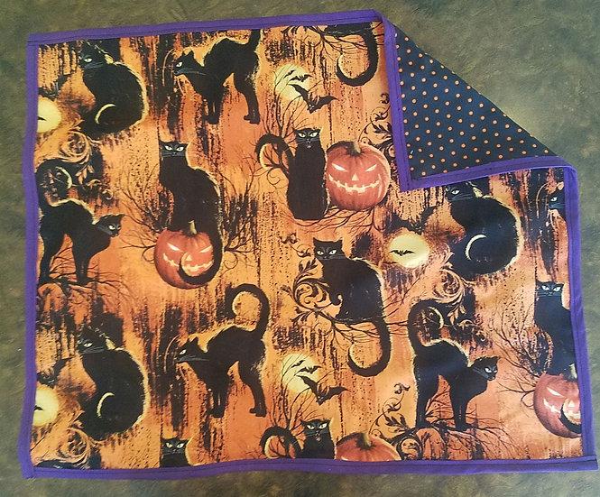 Black Cat w/Polka dots Tarot/Altar Cloth