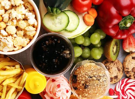 Saiba quais alimentos podem atrapalhar o seu sono