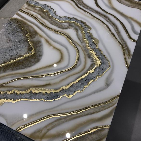 White & Gold Géode