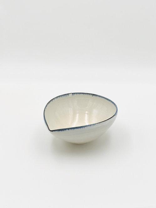 Almond Bowl M Blue Rim