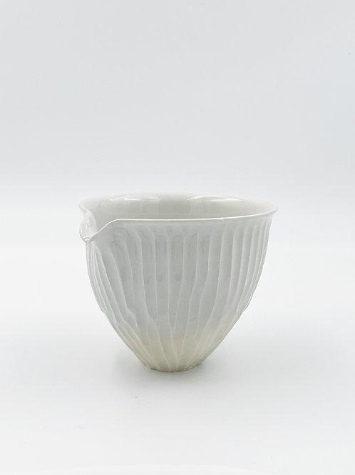 Fluted Katakuchi White A