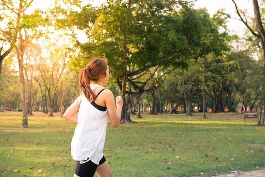 O que consumir antes, durante e depois do treino?