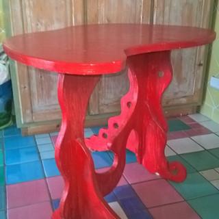 Tavolino rosso.jpg