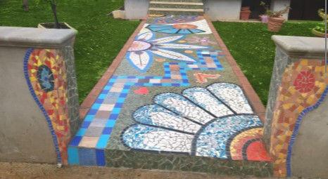 Pavimento esterno in mosaico