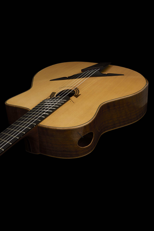 'Fanned Fret' guitar