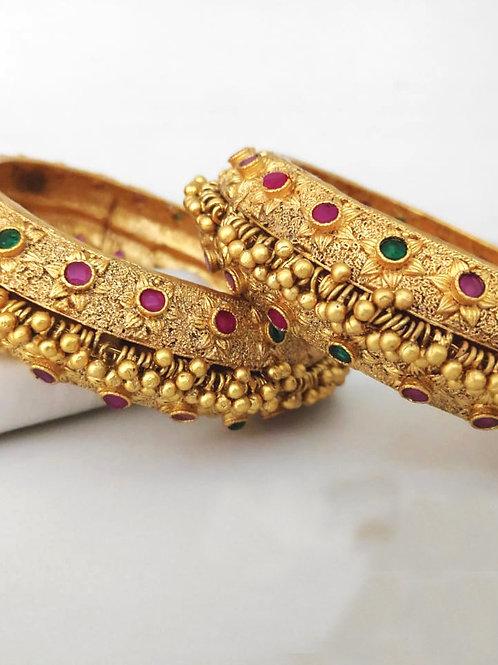 Brass Rajwadi Kangan Matt High Gold Bangle D1N128