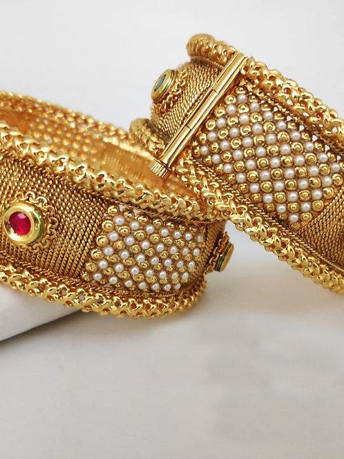 Brass Pearl Beeds High Gold Wedding Kangan Bangle D43N43