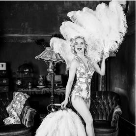 Burlesque kostuums  voor  Fay Loren