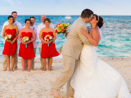 THE GOOD AND BAD THINGS OF GETTING MARRIED IN AN ALL INCLUSIVE HOTEL