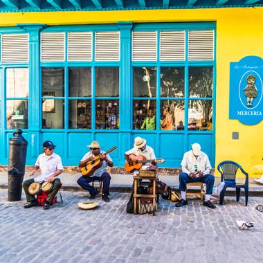 Habana, Cuba by Alberto Lama 32.jpg