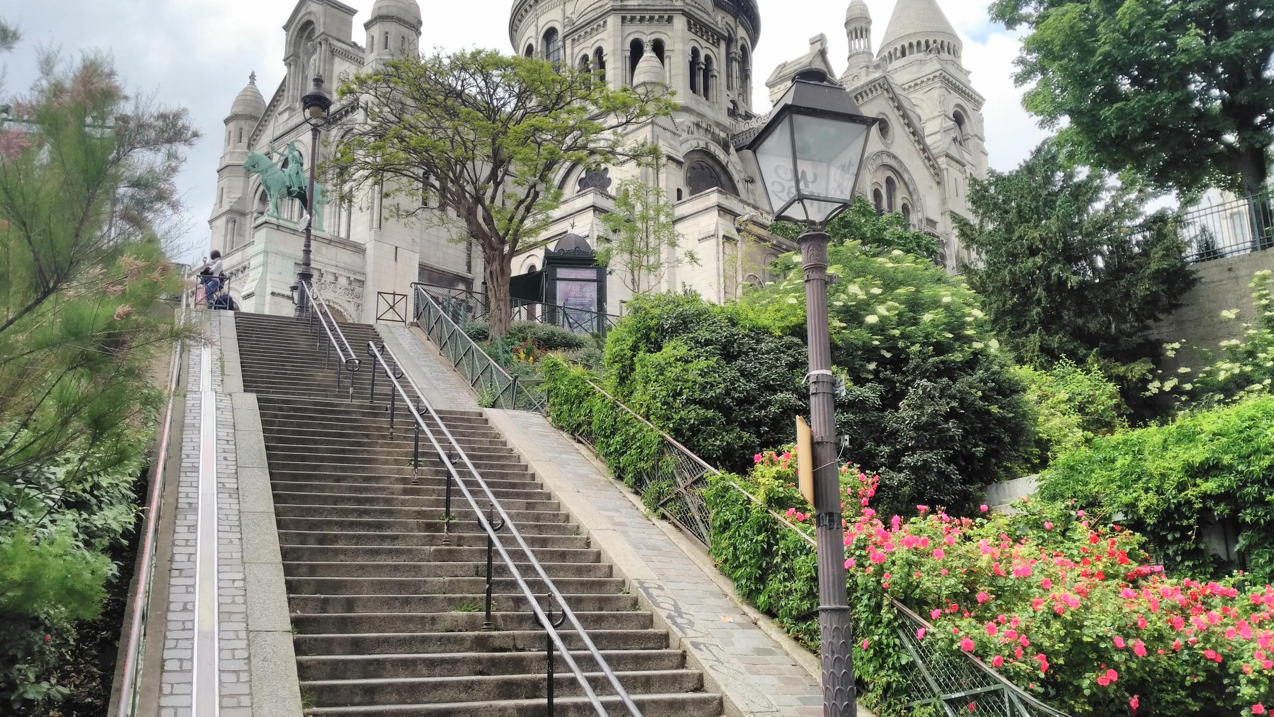 Stairs Sacré Coeur