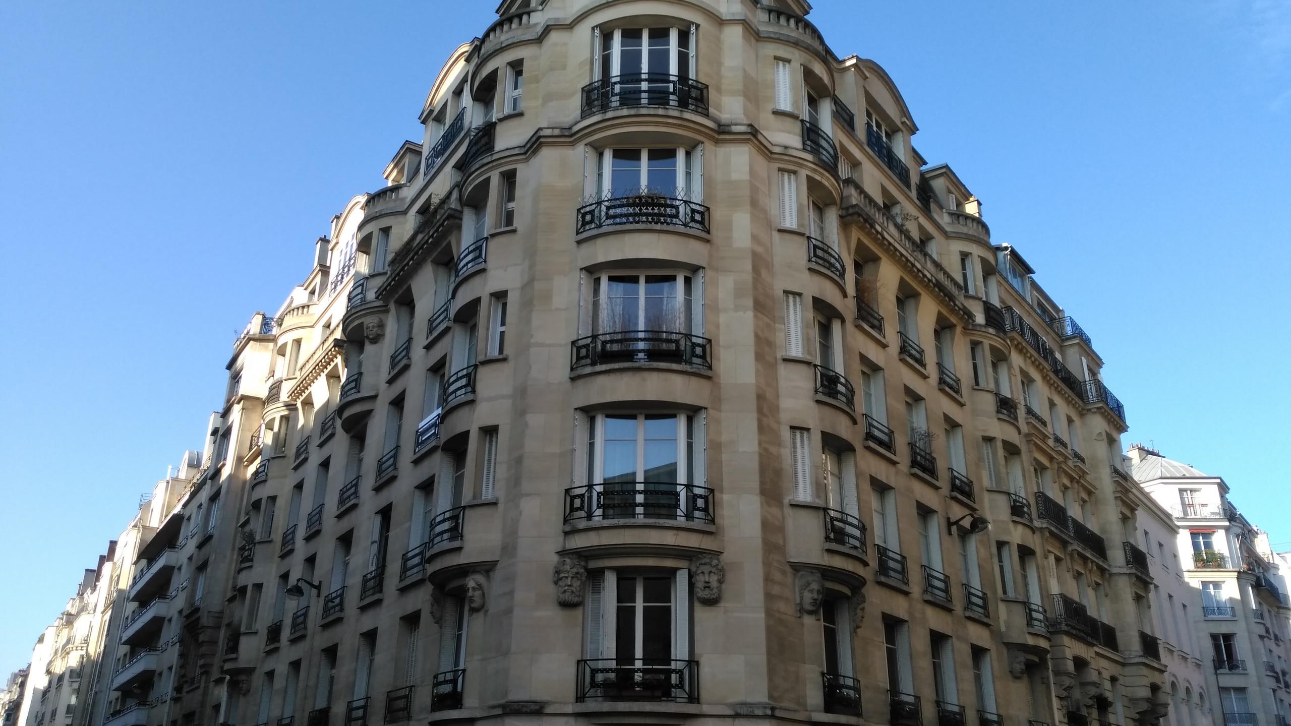 Art Déco Appartment Building