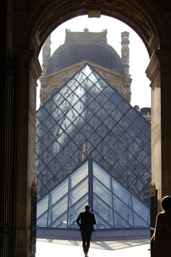 View of the Pyramide du Louvre