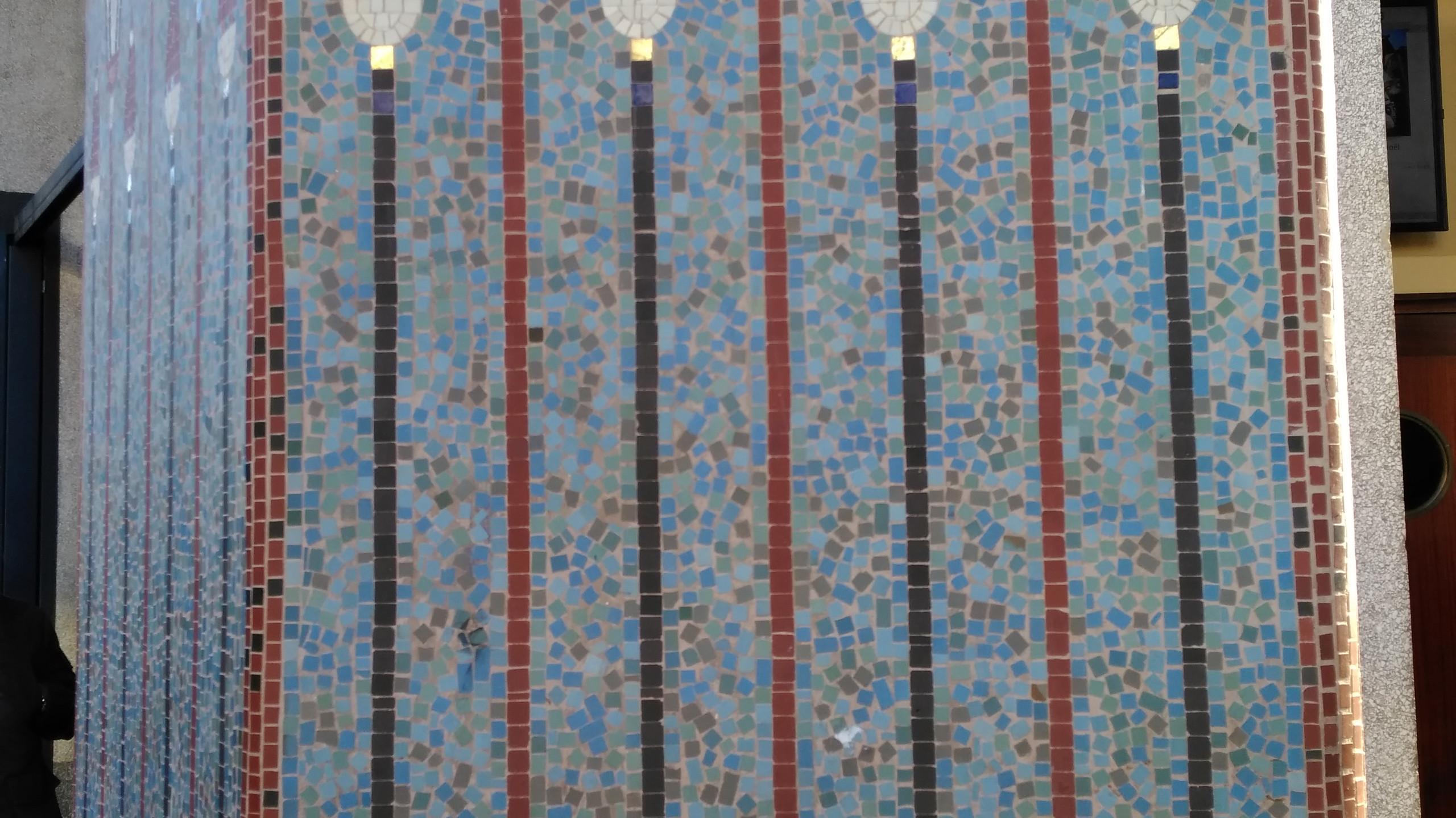 Le Louxor Mosaic Details