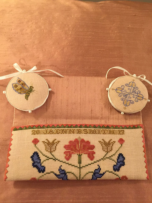 Floral Sewing Purse & Accessories
