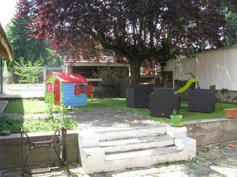 Cour et espace barbecue