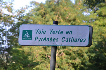 Voie_verte_en_Pyrénées_Cathares,_panneau